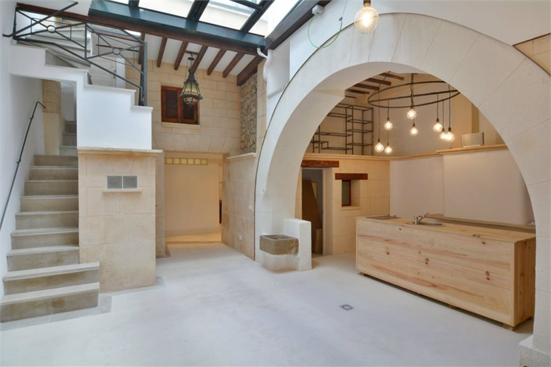 Living area: 380 m² Bedrooms: 3  - Townhouse in Palma Old Town #12803 - 12