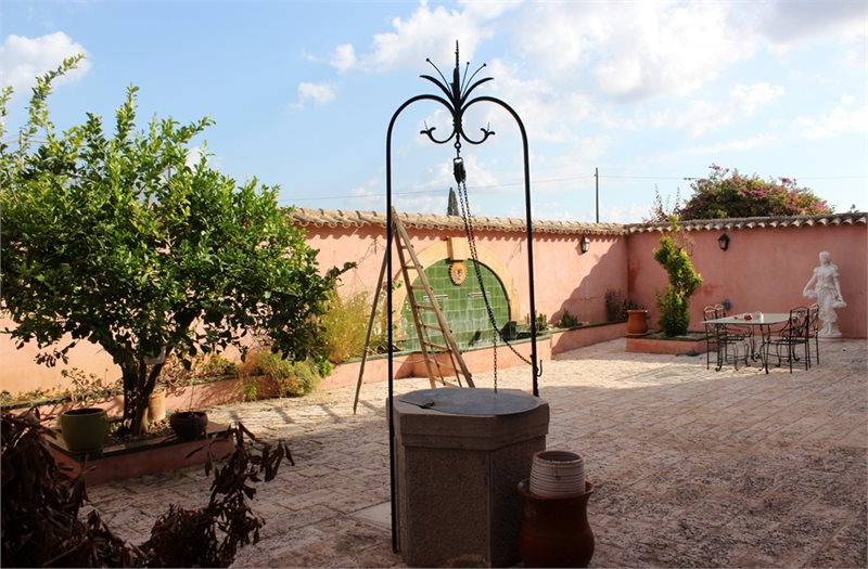 Living area: 940 m² Bedrooms: 6  - Finca in Establiments #12179 - 12
