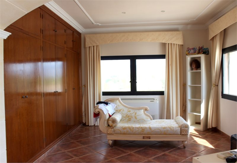 Living area: 940 m² Bedrooms: 6  - Finca in Establiments #12179 - 28